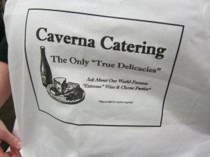 Caverna Catering apron-small